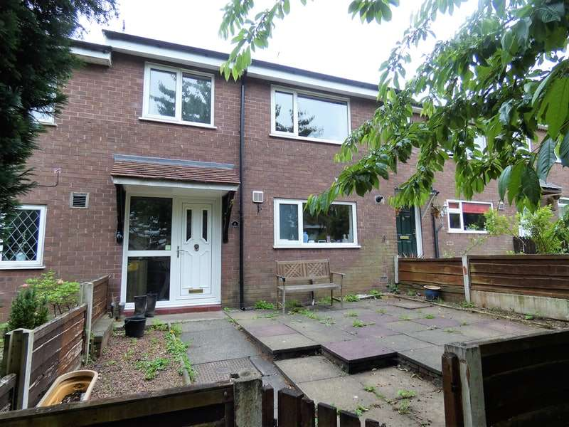 3 Bedrooms Terraced House for sale in Woburn Close, Macclesfield, Cheshire, SK10