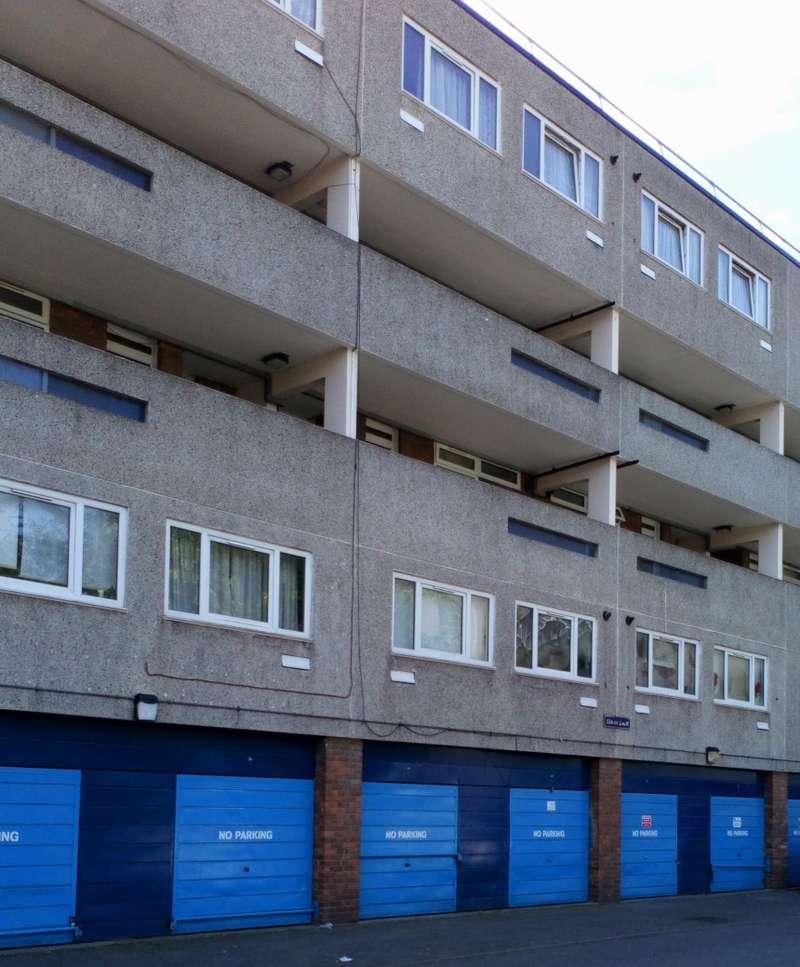 2 Bedrooms Apartment Flat for sale in Simon Court, Titmuss Avenue, Thamesmead, London, SE28 8BQ