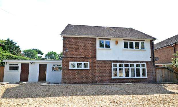 5 Bedrooms Detached House for sale in Cintra Avenue, Reading, Berkshire