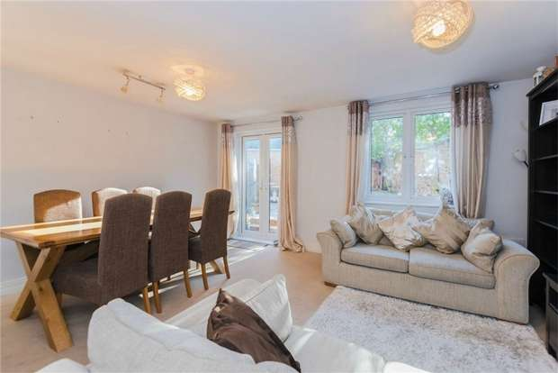 4 Bedrooms Semi Detached House for sale in Linden Close, IVER, Buckinghamshire