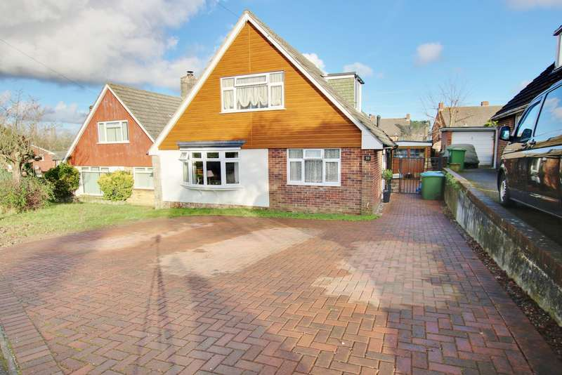 4 Bedrooms Chalet House for sale in BITTERNE PARK CATCHMENT! EXTENDED ACCOMMODATION! MUST SEE!