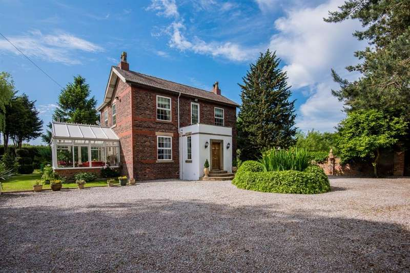 4 Bedrooms Detached House for sale in Astley Road Farm, Macdonald Road, Irlam, Manchester, M44 5LH