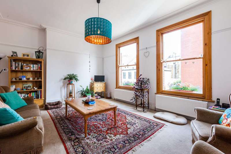 3 Bedrooms Maisonette Flat for sale in Morrish Road, Brixton, SW2