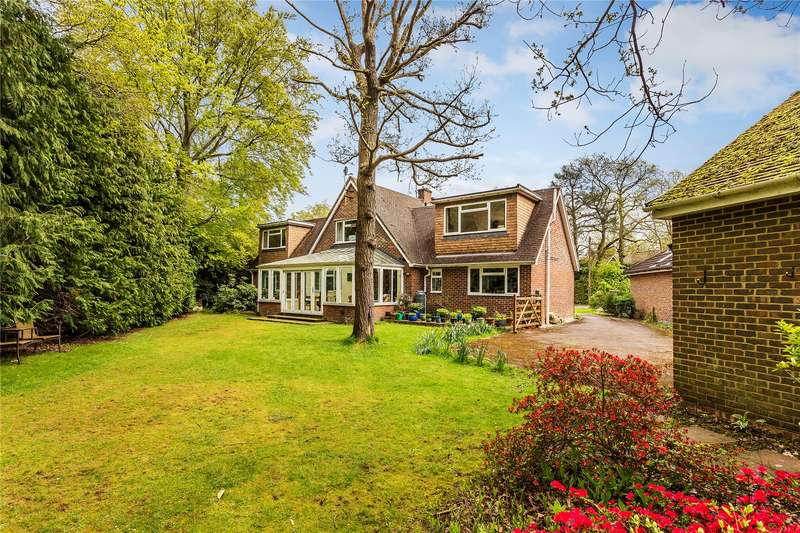 5 Bedrooms Detached House for sale in Briar Close, West Byfleet, Surrey, KT14