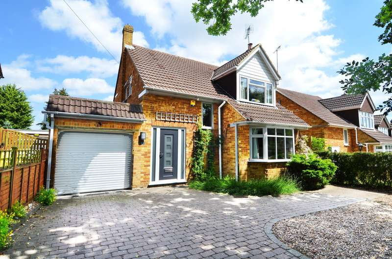 3 Bedrooms Detached House for sale in Chapman Lane, Flackwell Heath, HP10