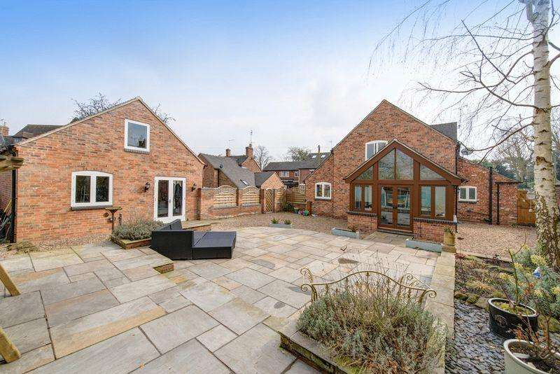 5 Bedrooms Detached House for sale in APRIL COTTAGE, BURTON ROAD, REPTON