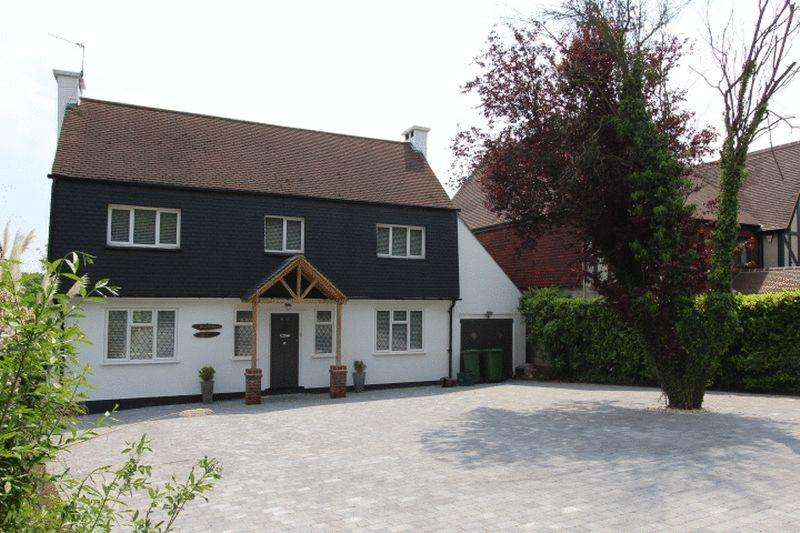 5 Bedrooms Detached House for sale in Pine Walk, Carshalton Beeches