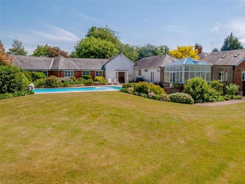 4 Bedrooms Detached Bungalow for sale in Church Lane, Holybourne, Hampshire