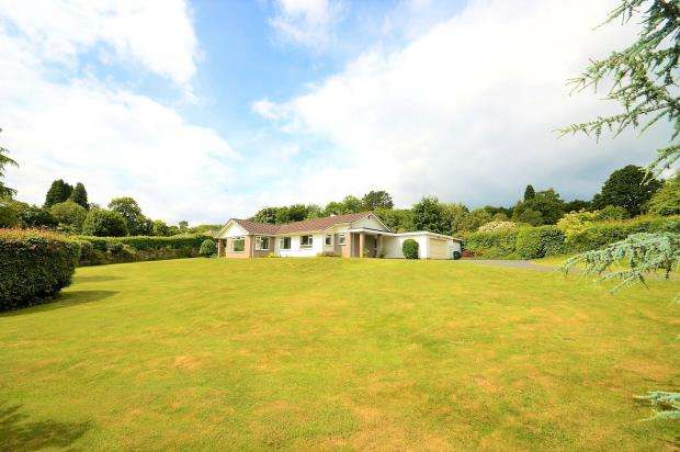 3 Bedrooms Detached Bungalow for sale in Colehayes, Bovey Tracey, Newton Abbot, Devon