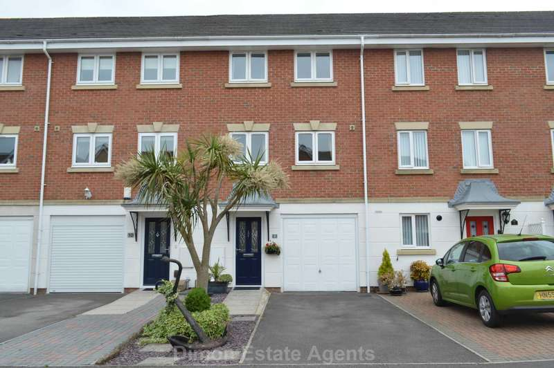 3 Bedrooms Terraced House for sale in Vanguard Road, Gosport