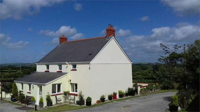 3 Bedrooms Farm House Character Property for sale in Bush Farm, Rhosfach, Clynderwen, Pembrokeshire