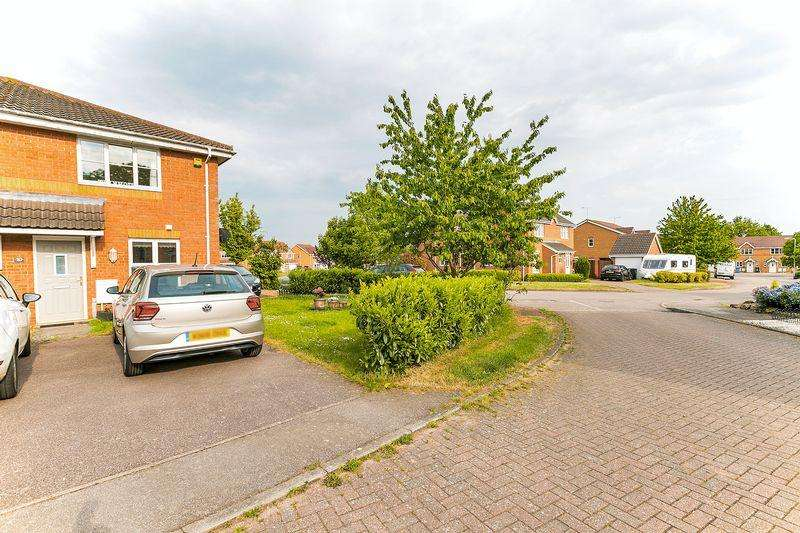 1 Bedroom Semi Detached House for sale in Moors Close, Deanshanger