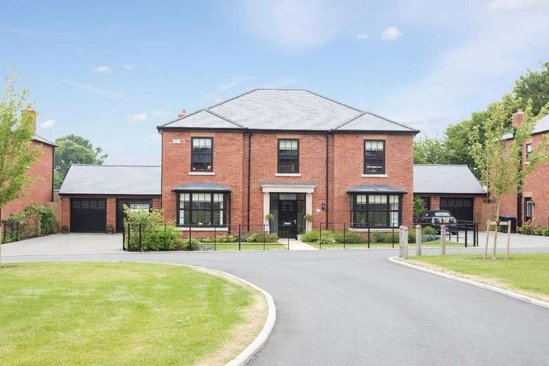 5 Bedrooms Detached House for sale in Warre Close, Rugby