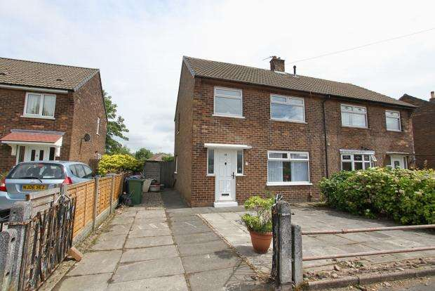3 Bedrooms Semi Detached House for sale in Wentworth Road Ashton In Makerfield Wigan
