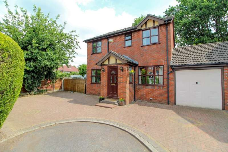 4 Bedrooms Detached House for sale in Pochard Drive, Poynton, Stockport, SK12