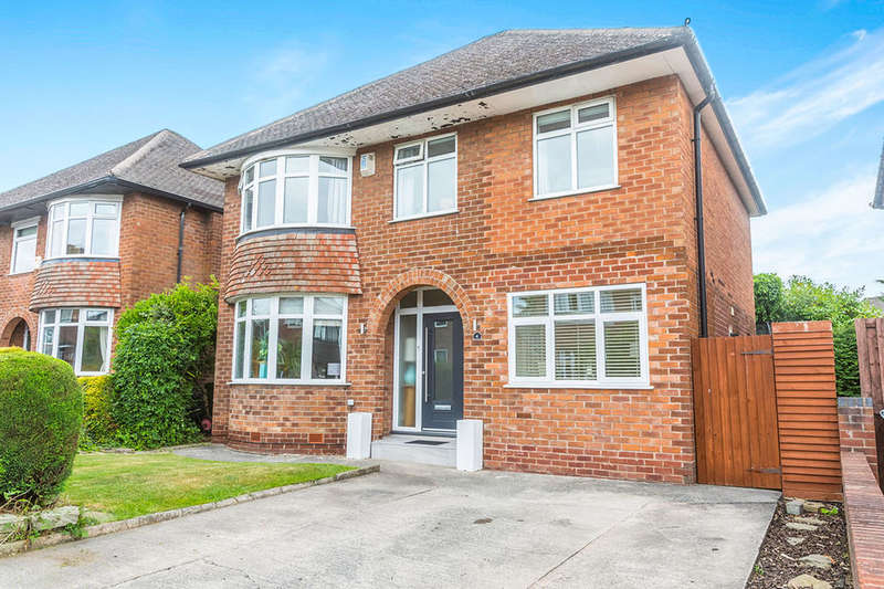 5 Bedrooms Detached House for sale in Derwent Drive, Handforth, Wilmslow, SK9