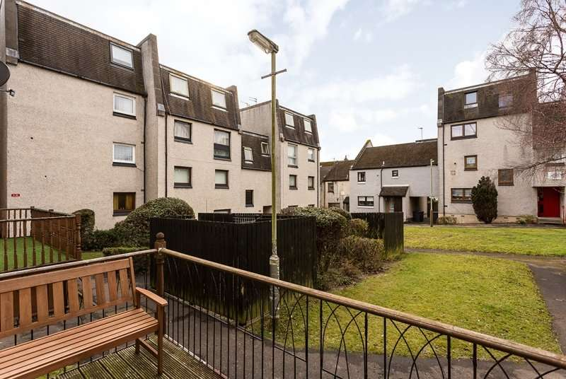 2 Bedrooms Ground Flat for sale in Hill Street, Dundee, DD3 6RR