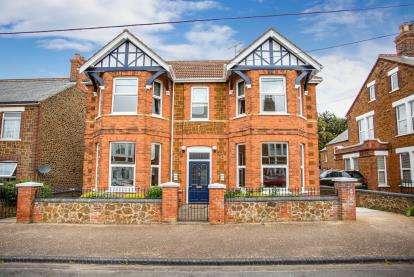 4 Bedrooms Detached House for sale in Hunstanton, Norfolk