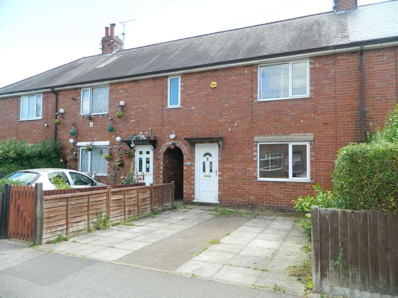 3 Bedrooms Terraced House for sale in St Peters Avenue, Lincoln