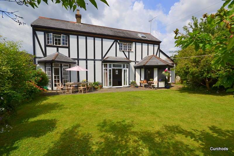 4 Bedrooms Detached House for sale in Laleham