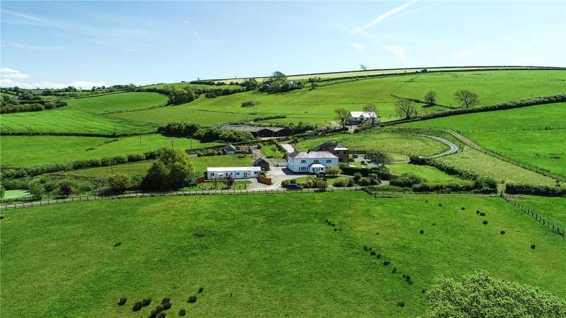 7 Bedrooms Detached House for sale in Mwche Farmhouse, Llanybri, Carmarthen, Sir Gaerfyrddin