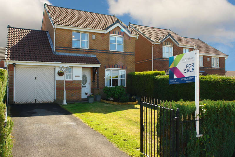 3 Bedrooms Detached House for sale in Hodge Clough Road, Moorside