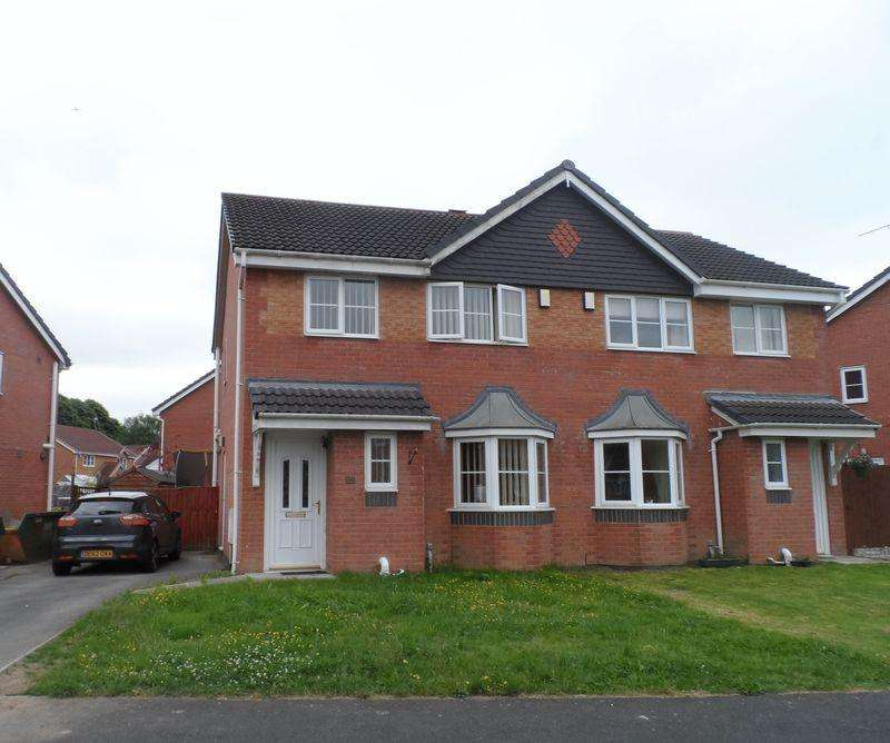 3 Bedrooms Semi Detached House for sale in Newquay Drive, Wrexham