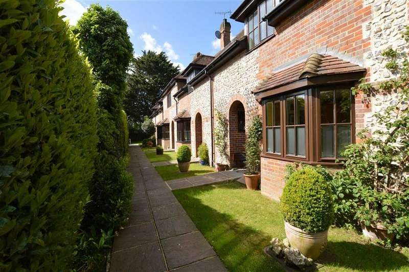 3 Bedrooms Terraced House for sale in Old Barn Mews, The Green, Croxley Green, Rickmansworth Hertfordshire, WD3