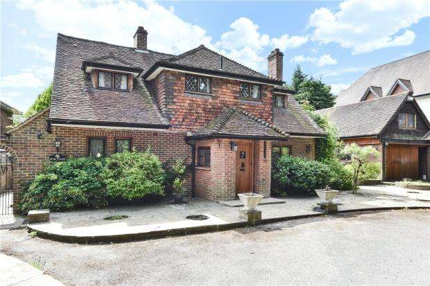 4 Bedrooms Detached House for sale in London Road, Sunningdale, Ascot