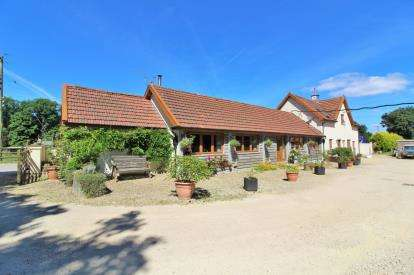 2 Bedrooms Barn Conversion Character Property for sale in Home Farm, Foxholes Lane, Tockington, Bristol