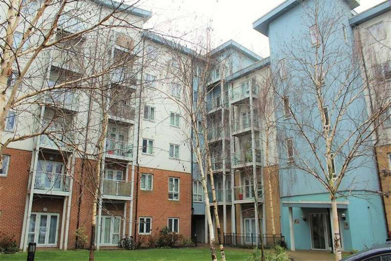 2 Bedrooms Apartment Flat for sale in Foundry Court, Slough, Berkshire