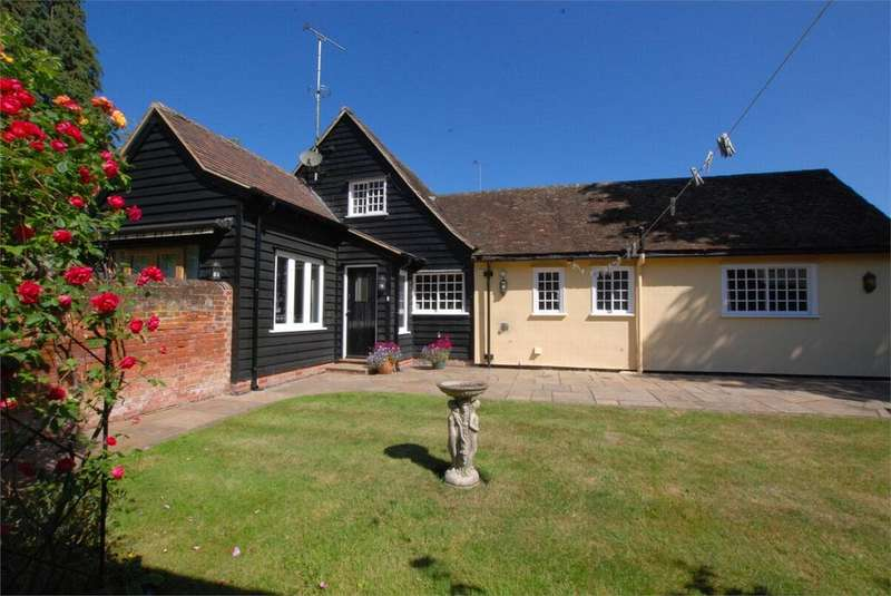3 Bedrooms End Of Terrace House for sale in Petitts Walk, 6e East Street, Coggeshall, Essex