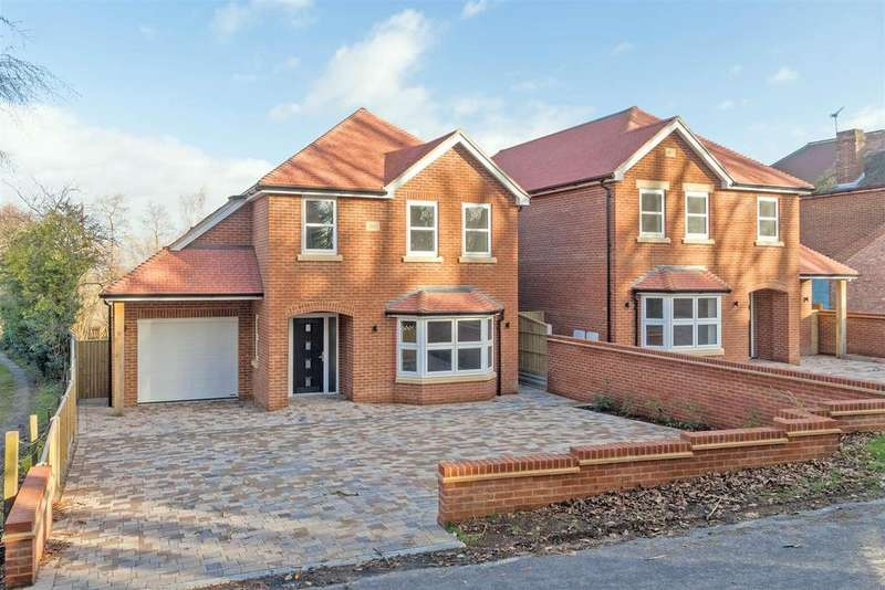 4 Bedrooms Detached House for sale in Wallbridge Lane, Upchurch, Sittingbourne