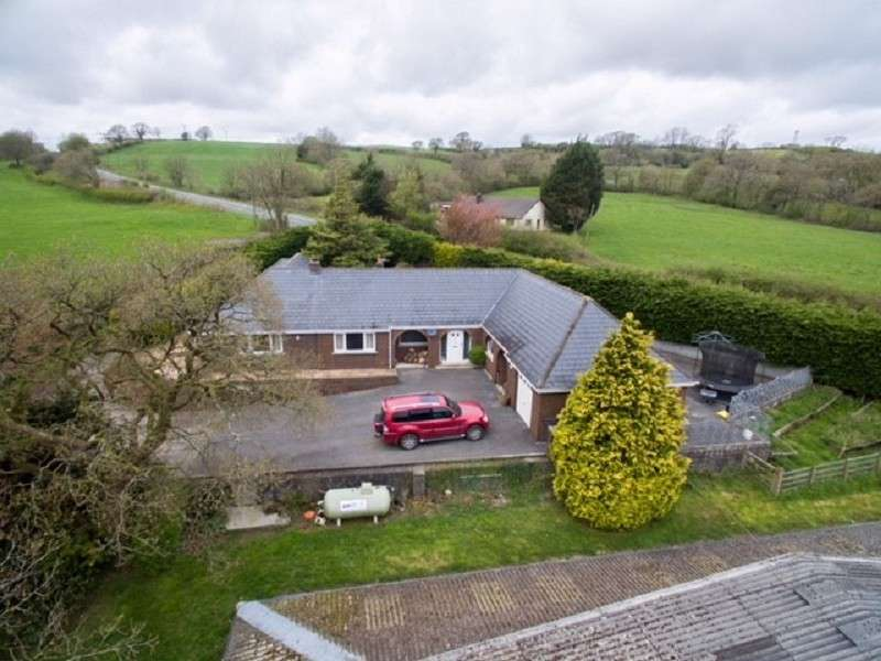 5 Bedrooms Land Commercial for sale in Kings Oak Nantycaws, Carmarthen, Carmarthenshire. SA32 8HE