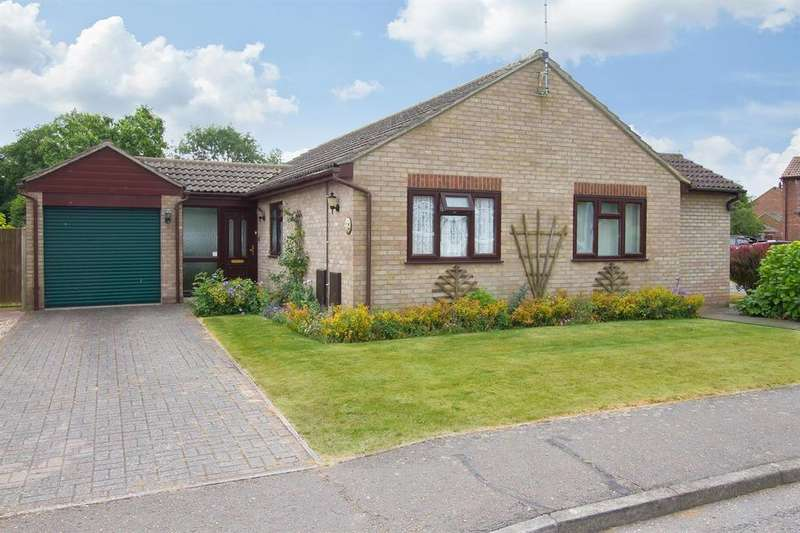 3 Bedrooms Detached Bungalow for sale in Frobisher Road, Dovercourt Bay, Harwich