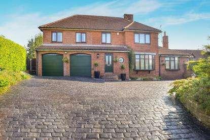4 Bedrooms Detached House for sale in Skinner Street, Creswell, Worksop, Derbyshire