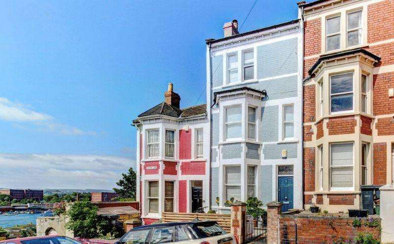 4 Bedrooms Terraced House for sale in Church Lane, Cliftonwood