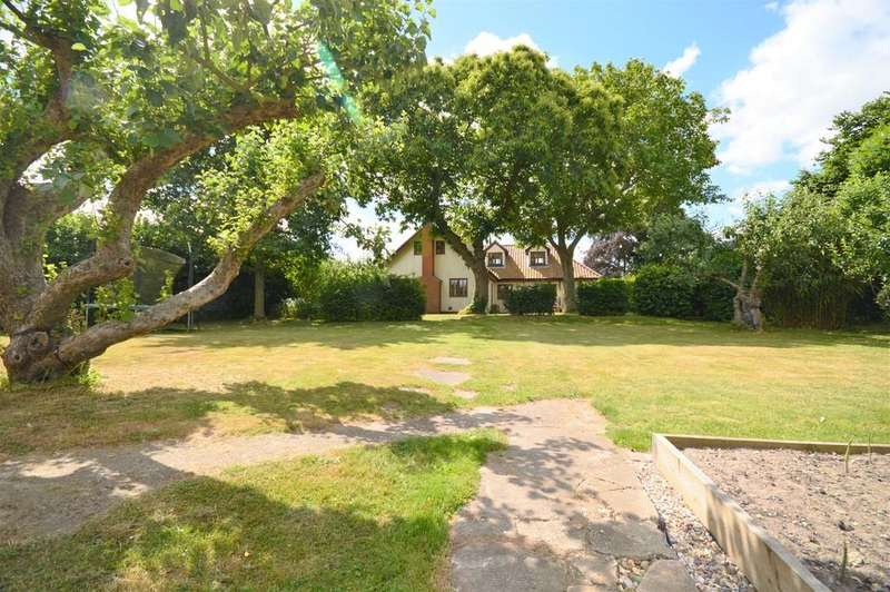 4 Bedrooms Detached House for sale in Ipswich Road, Brantham, Manningtree