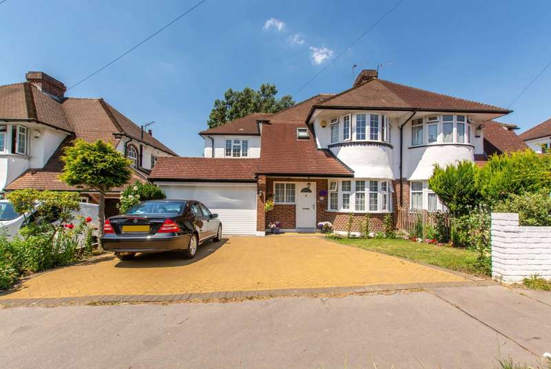 4 Bedrooms Semi Detached House for sale in Christian Fields, Streatham, SW16