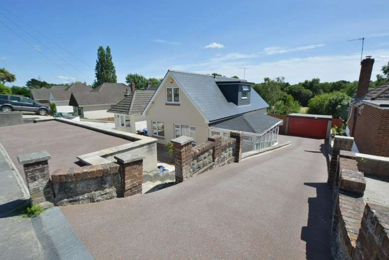 4 Bedrooms Detached Bungalow for sale in Evering Avenue, Alderney, Poole, BH12 4JH