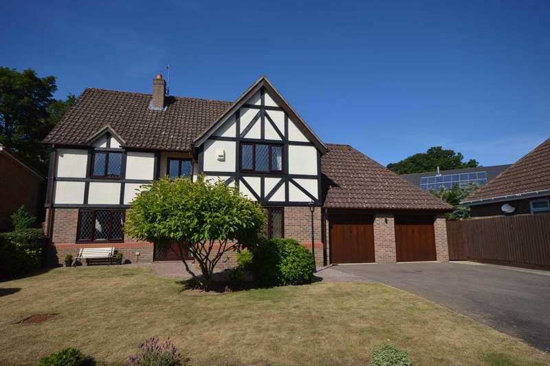 4 Bedrooms Detached House for sale in The Shires, Drayton