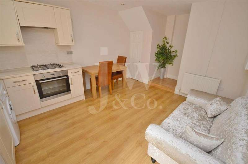 1 Bedroom Flat for sale in How Wood, Park Street, St Albans