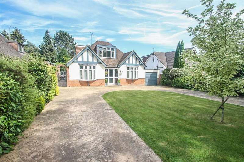 4 Bedrooms Bungalow for sale in Caring Lane, Bearsted, Maidstone