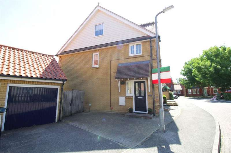 4 Bedrooms Semi Detached House for sale in Bramble Tye, Noak Bridge, Essex, SS15