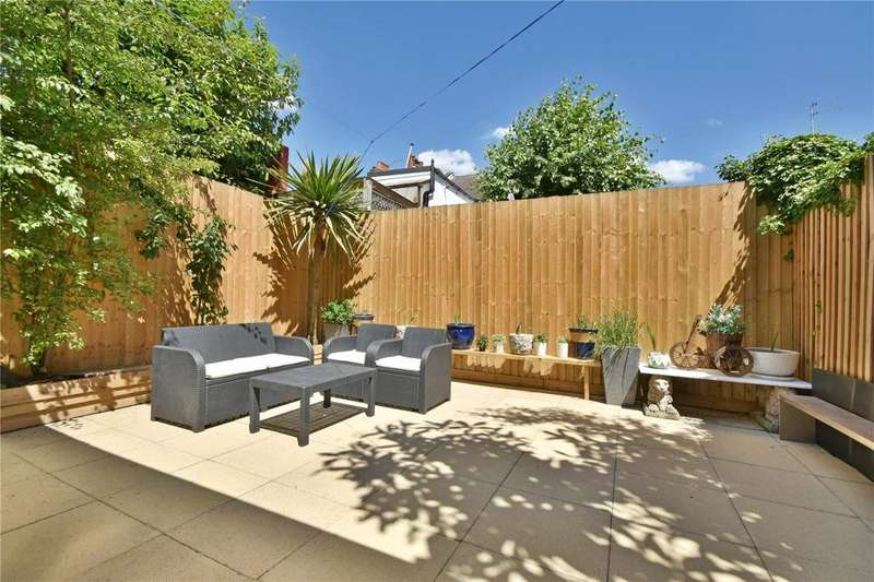 7 Bedrooms House for sale in Elm Grove, Cricklewood, NW2