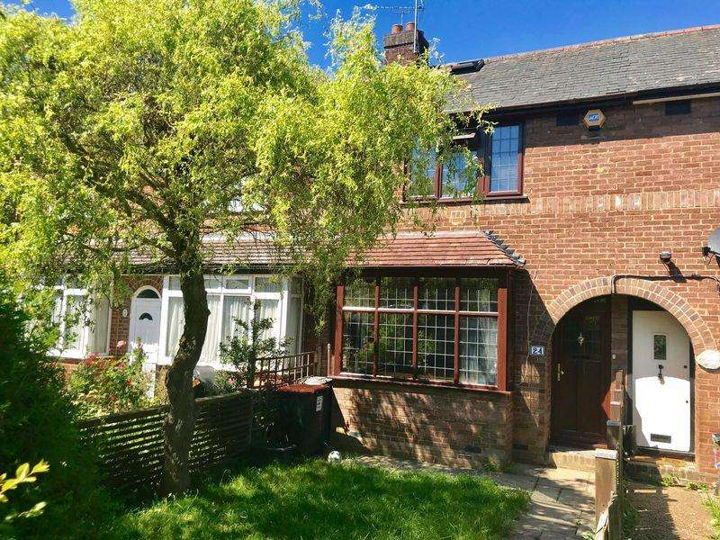 3 Bedrooms Terraced House for sale in Mancroft Road,Caddington. Loft Room