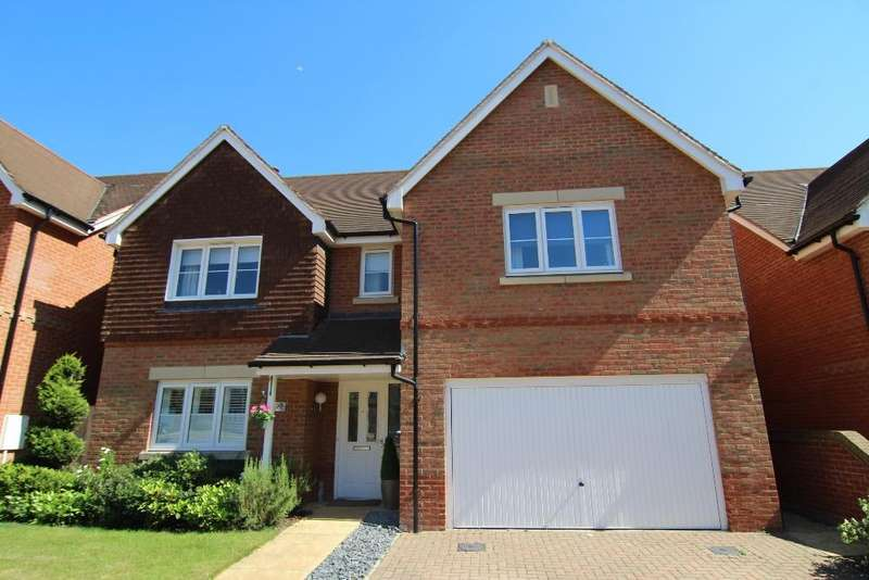 4 Bedrooms Detached House for sale in Columba Gardens, Wokingham, Berkshire, RG40 1GB