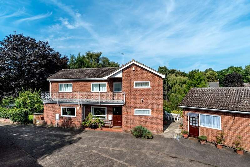 4 Bedrooms Detached House for sale in The Street, Honingham