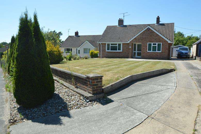 2 Bedrooms Detached Bungalow for sale in Halstead Road, Gosfield, Halstead CO9