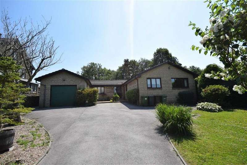 4 Bedrooms Detached Bungalow for sale in Rainhall Crescent, Barnoldswick, Lancashire